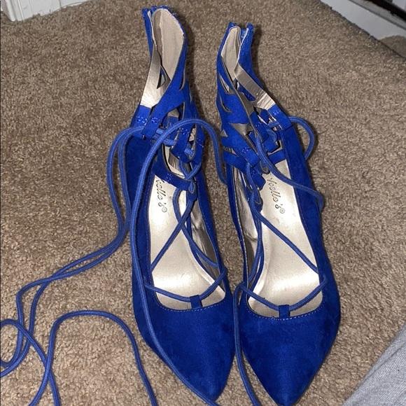 Shoes - Blue laceup heels
